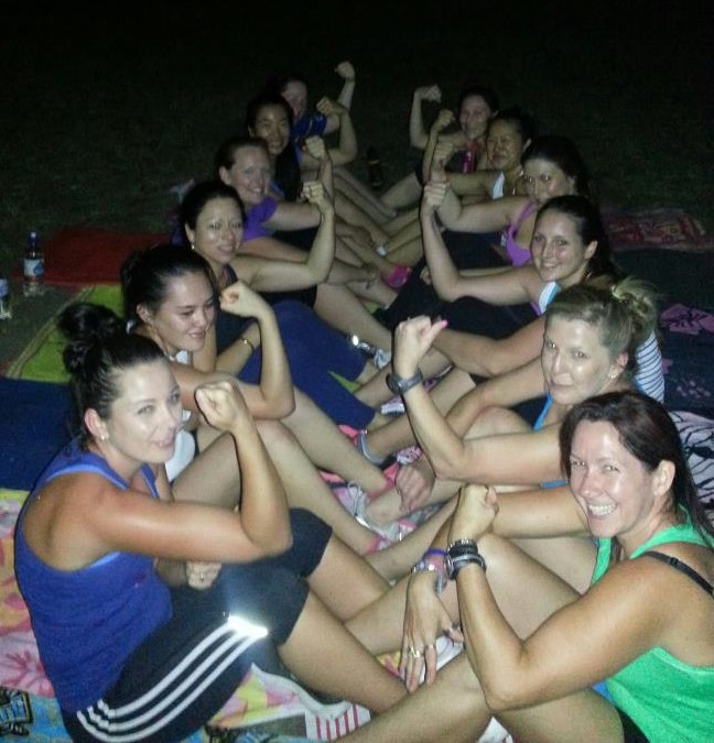 Personal trainer Cannon Hill 4170 QLD weight loss toned fitness exercise strength Group sit-up